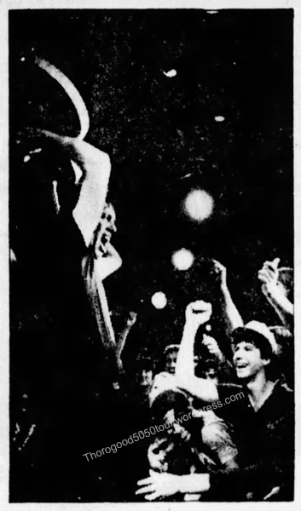 01 George Thorogood 50 50 Tour Waikiki Wave Concert Photos Review Honolulu Star Bulletin Oct 27 1981 Pg B1 Guitar Over Head